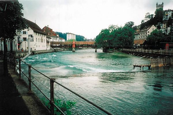 Люцерн, река Ройс