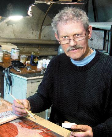 Народный художник России Александр Карих едет в Китай.