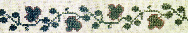 Рис. 40. Растительный побег с мотивом листьев и шишек хмеля