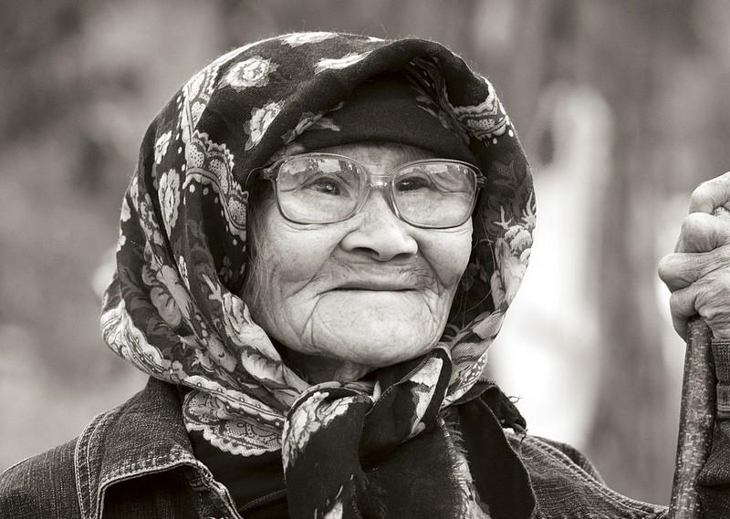 golie-dryahlie-starushki
