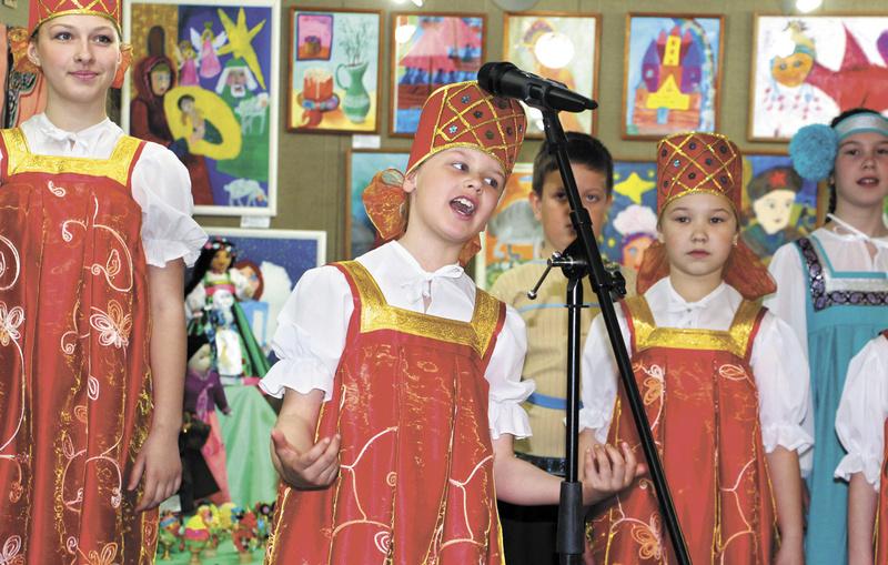 Открытие выставки «Славянские узоры» центра детского творчества «Народные ремесла». Арт-подвальчик. 2015